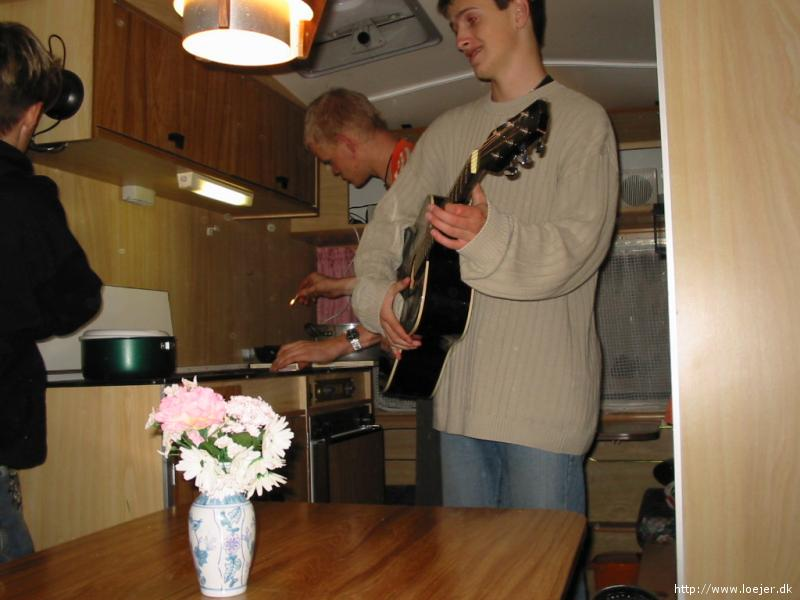 - st_paatur_guitar
